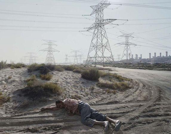 Man Sleeping, Dubai, April 2008, Dubai, 2008-2011 © Luc Delahaye & Galerie Nathalie Obadia