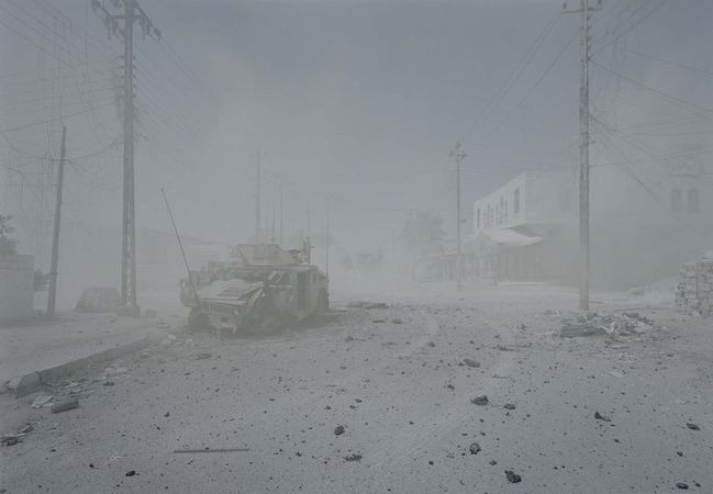 Ambush, Ramadi, 22 July 2006, Ramadi, Iraq, 2008-2011 © Luc Delahaye & Galerie Nathalie Obadia