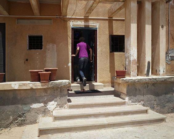 House to House, 16 May 2011, Tawergha, Libya, 2008-2011 © Luc Delahaye & Galerie Nathalie Obadia