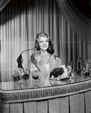 Rita Hayworth advertising perfume (Columbia, 1941)
