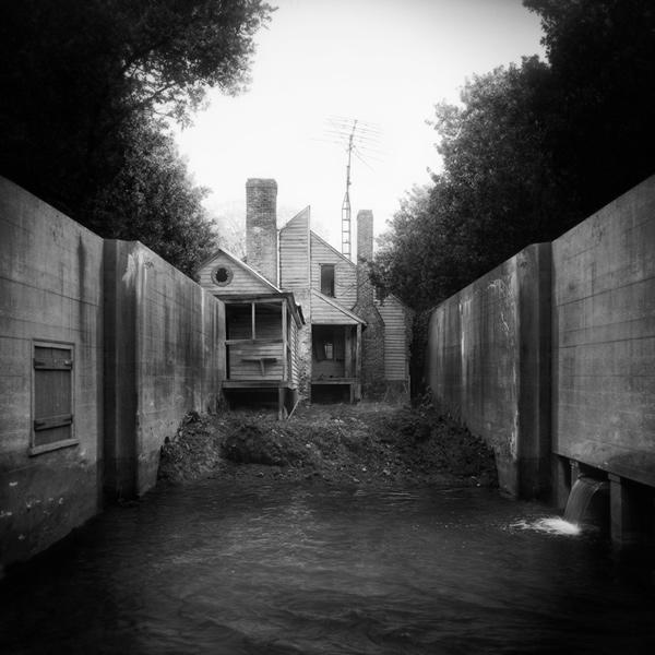 Гран-при 2012 в категории одиночных фотографий. Untitled (backyard), 2011 ©Jim Kazanjian