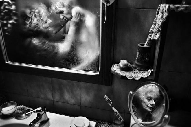 MIRELLA. © Fausto Podavini<br> 2013, Daily Life, 1st prize stories