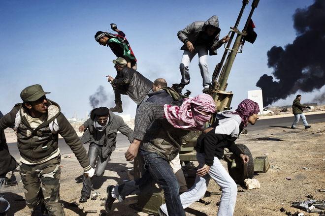 © Юрий Козырев. Март 2011. Рас-Лануф, Ливия. На линии  фронта