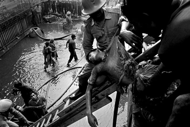 © Abir Abdullah, Deadly cost of cheap clothing, Mention Reprotage / Leica