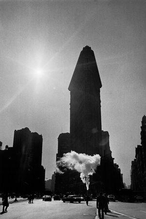 Flatiron Building, NYC 1977. © Sid Kaplan