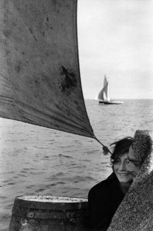 Entre l'île de Chiloé et Puerto Montt, Chili, 1957 © Sergio Larrain/Magnum Photos