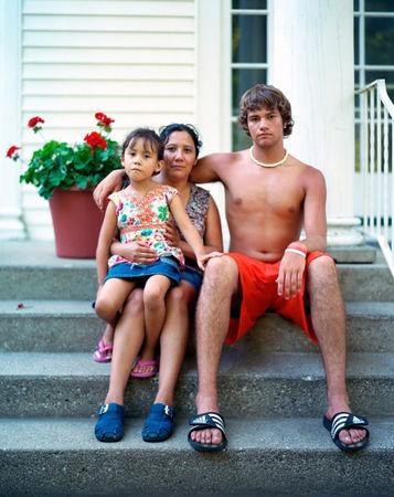 Mariana, Adriana and Robert, Saugatuck, Mich., 2007 © Richard Renaldi
