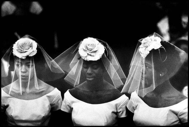 USA. New York City. 1962. Bridesmaids at a wedding in Harlem. © Bruce Davidson/Magnum Photos