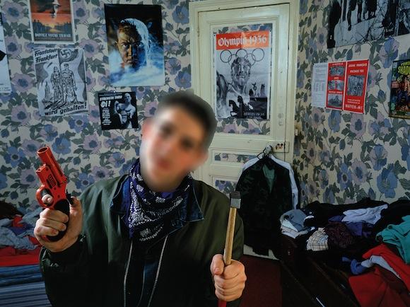 Проблемная фотография. Yan Morvan : Gangs Story/