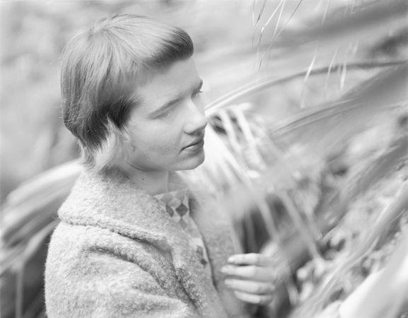 Lee Adair, 1956 (Rose Mandel/Rose Mandel Archive)
