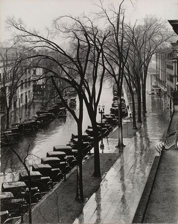 Main Street, Saratoga Springs, New York. 1931. © 2013 Walker Evans Archive, Metropolitan Museum of Art