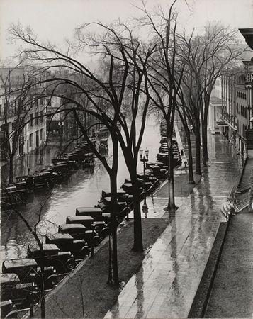 Main Street, Saratoga Springs, New York. 1931. © 2013 Walker Evans Archive, Metropolitan Museum of Art