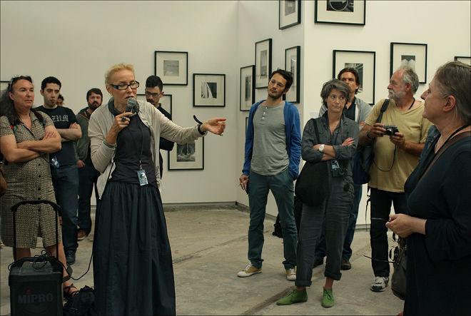 Выступление Ольги Свибловой на выставке Александра Слюсарева. Фото: Николай Бахарев
