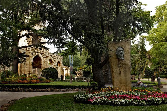 Памятник Ван Гогу. Фото: Николай Бахарев
