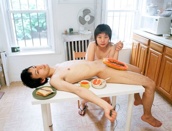 2 приз/ категория порфолио/ © Yijun Liao/ серия Experemental Relationship
