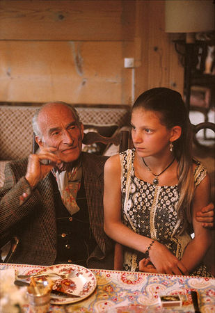 Balthus with his model Anna aged 11 years old  (© Bruno Barbey/Magnum Photos