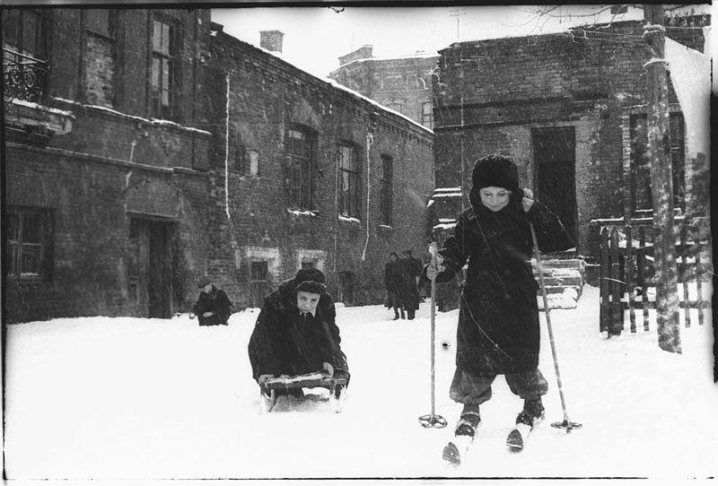 ©Марлен Матус (1939–2014). «Украина, Днепропетровск. 1951»