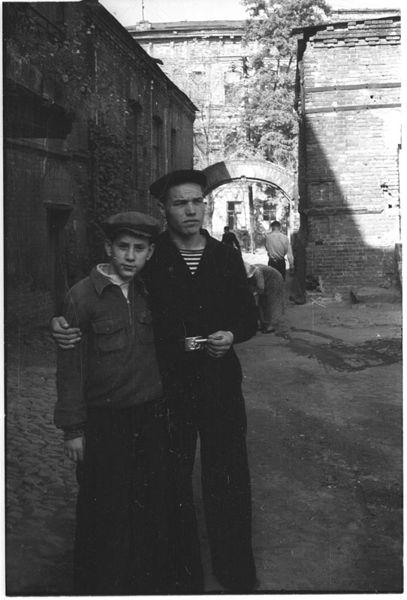 ©Марлен Матус (1939–2014). «Украина, Днепропетровск. 1953»