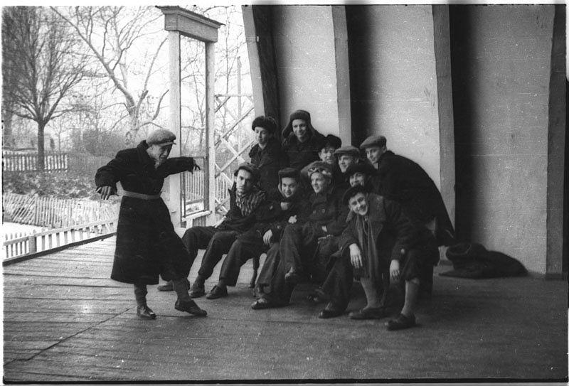 ©Марлен Матус (1939–2014). «Украина, Днепропетровск. 1954 (мои друзья-одноклассники)»
