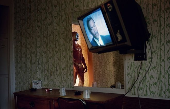 © Philip-Lorca diCorcia. Gerald Hughes (a.k.a. Savage Fantasy), about 25 years old, Southern California, $50. Из серии Hustlers