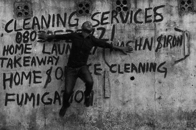 © Abraham Oghobase. Из серии Untitled, 2012
