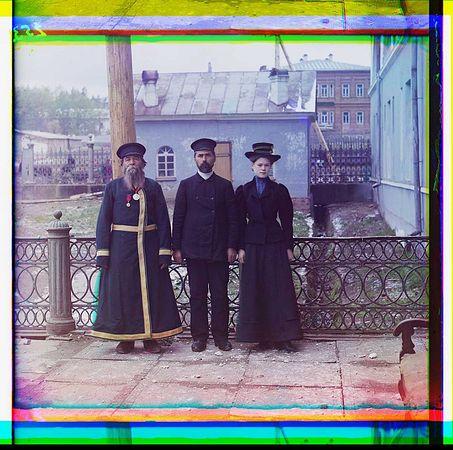 Сергей Прокудин-Горский. Три поколения, А.П.Калганов с сыном и внучкой, 1913