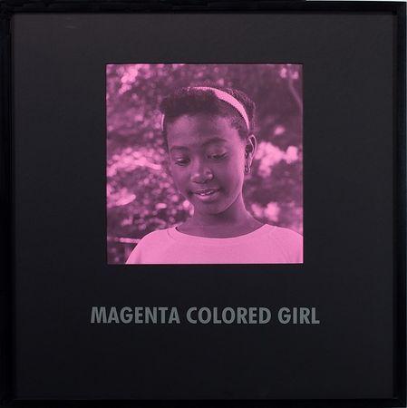 © Carrie Mae Weems. Из серии Coloured People, Magenta colored girl, 1997