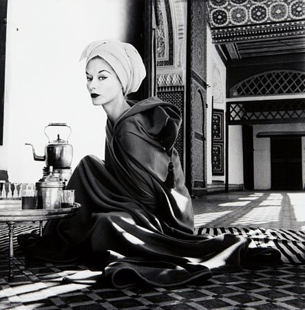 Woman in Moroccan Palace (Lisa Fonssagrives-Penn), 1951. © Irving Penn