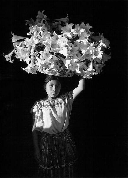 ©Флор Гардуньо. «Корзина света, 1989»