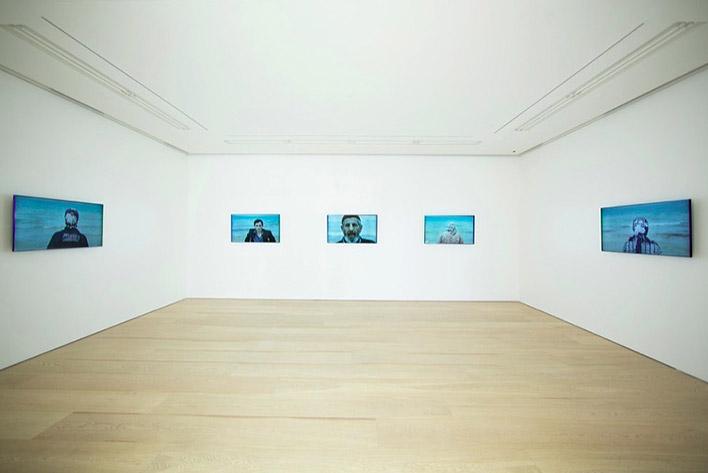 Вид экспозиции Sophie Calle. Проект Voir la mer. Courtesy Galerie Perrotin
