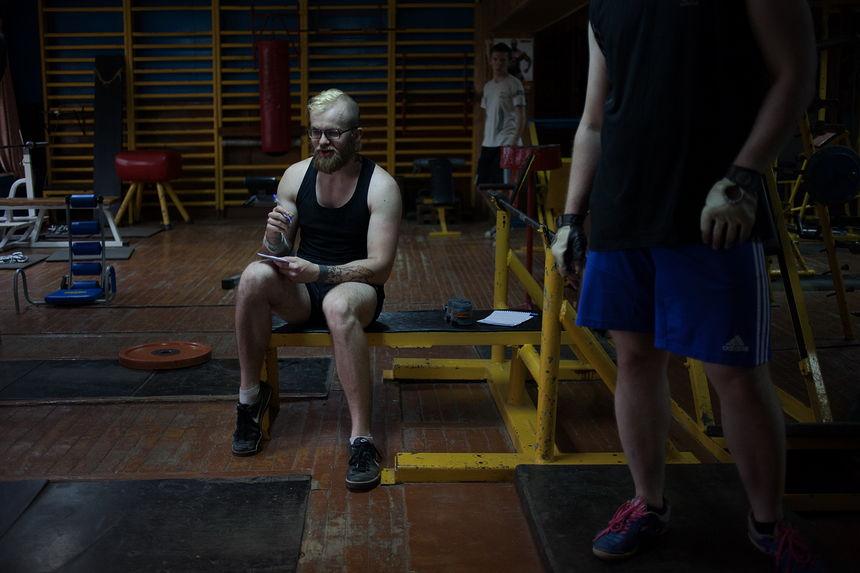©Максим Сарычев. «Александр Курец, 27 лет. Волонтёр инициативы «Еда вместо бомб». 15 суток ареста»