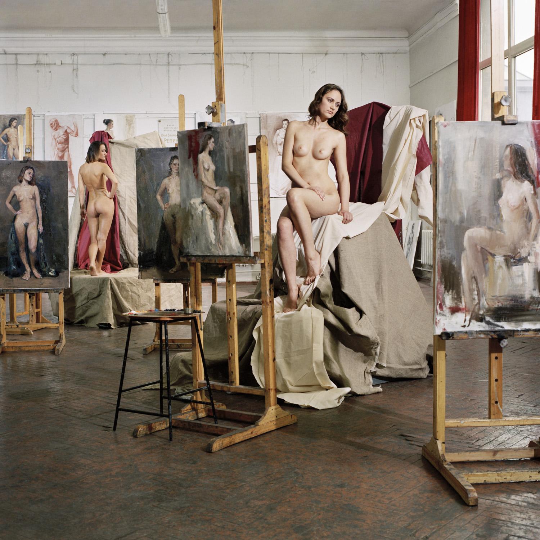 Натурщицы в мастерской художника, смотреть порно с шикарными блондинками
