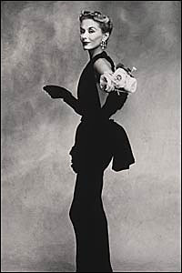 Ирвинг Пенн. Женщина с розами (Лиза Фонссагрив-Пен), Париж. 1950