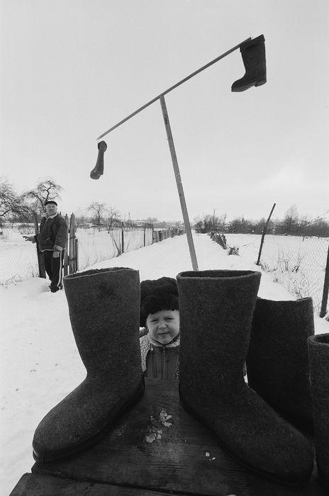 ©Борис Регистер. «Валенки. Поселок Знаменск, Калининградская область. 2011»
