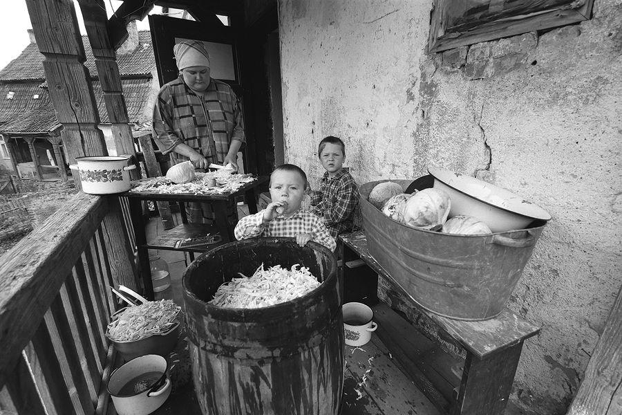 ©Борис Регистер. «Засолка. Железнодорожный, Калининградская область. 2001»