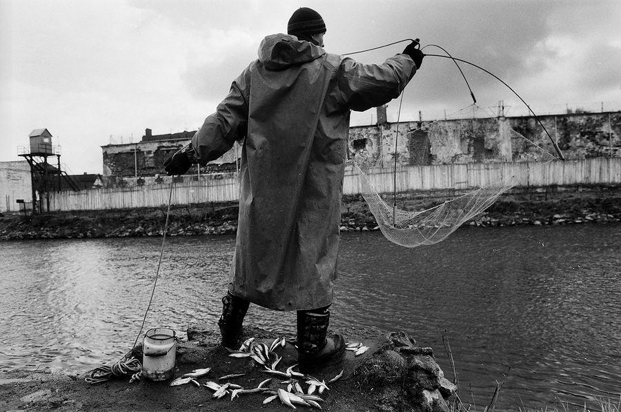 ©Борис Регистер. «Ловля корюшки. Гвардейск, Калининградская область. 2015»