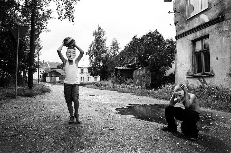 ©Борис Регистер. «Мы! Посёлок Ясное, Калининградская область. 2015»