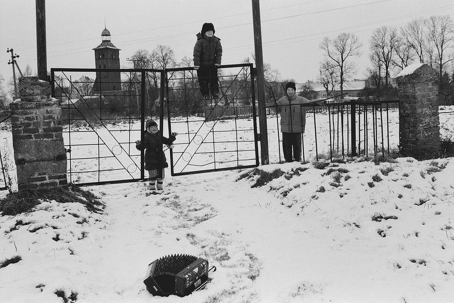 ©Борис Регистер. «Незаконченная песня. Поселок Знаменск, Калининградская область. 2010»