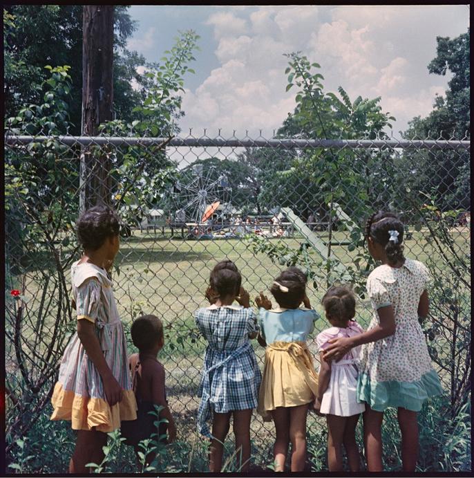 Гордон Паркс, «Смотрящие внутрь», 1956, современная печать