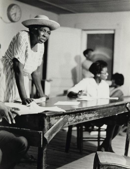Дорис Дерби, «Организатор «Корней травы»», Миссисипи, 1968, Желатин-серебряный отпечаток. («Корни травы», «Grassroots» – движение «снизу», возникшее на местах без центральной организации – АК)