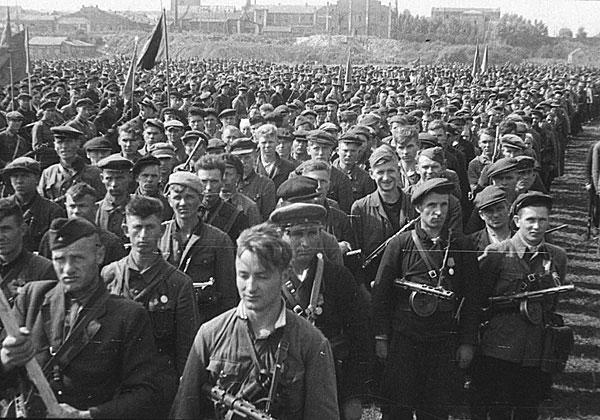©Белянин Георгий. «Георгий Белянин<br>Парад партизанских соединений в Минске<br>16 июля 1944<br>РГАКФД»