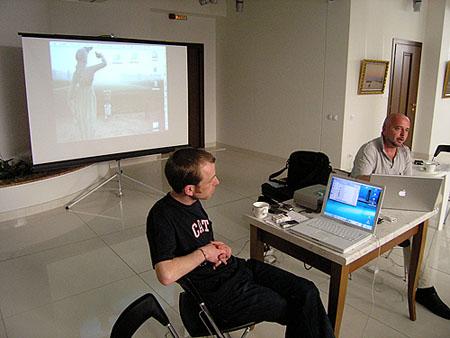 Ведущие семинара в Самаре Майкл Ренье (фоторедактор Panos Pictures, Лондон) и Олег Климов (фотограф, Москва)