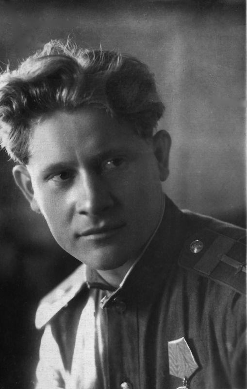 ©Коновалов Александр Васильевич. «Дерунов. 1941–45. Бумага, черно-белая фотопечать. 30 х 20 см»