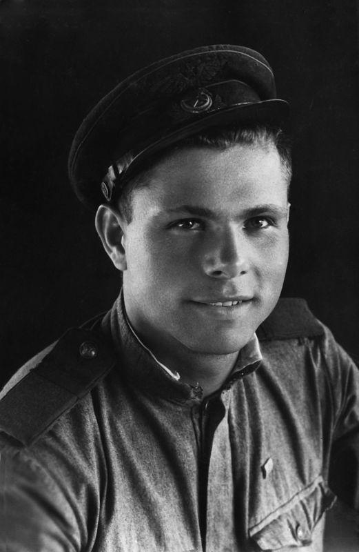 ©Коновалов Александр Васильевич. «Калинин. 1941–45. Бумага, черно-белая фотопечать. 30 х 20 см»