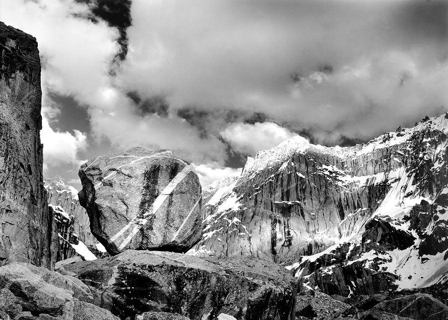 ©Антон Иванов. «Валун, высота 4700 м»
