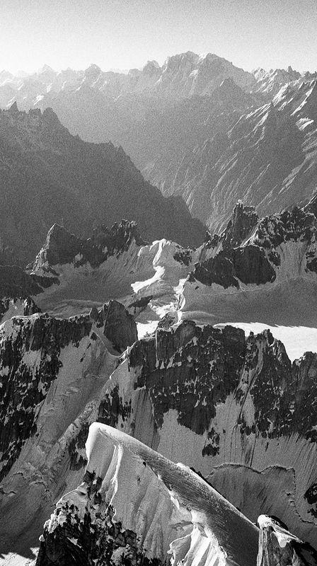 ©Антон Иванов. «Вид с вершины Илфорд пик, высота 6080 м»