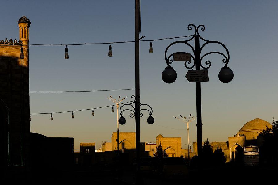 ©Анзор Бухарский. «Фрагмент портала мечети Магокки-Аттори»