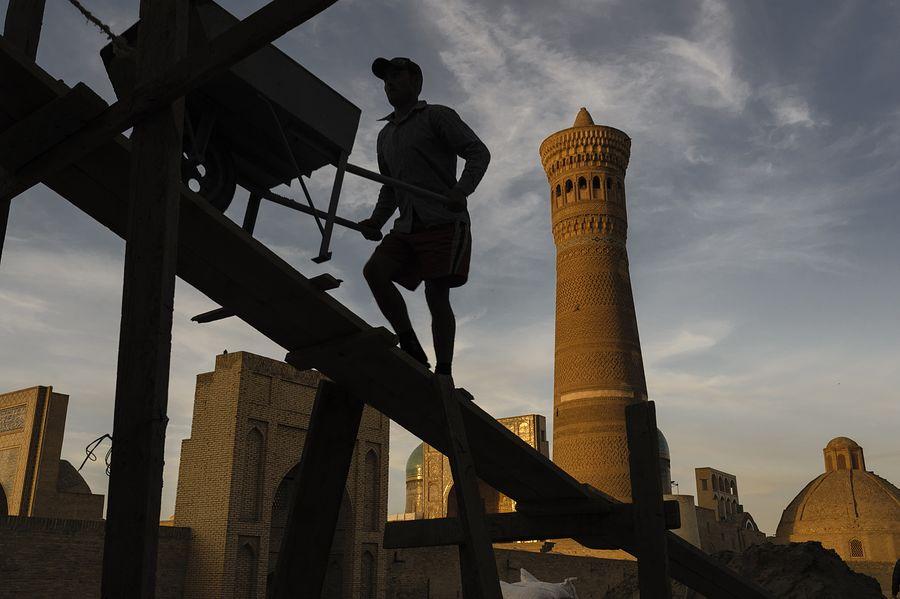 ©Анзор Бухарский. «Ансамбль Пои-Калон в Бухаре»
