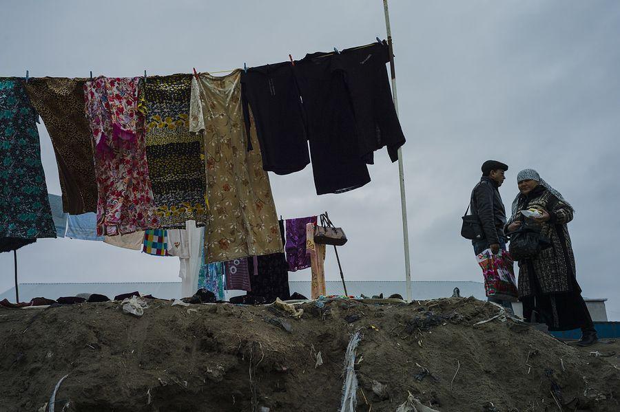 ©Анзор Бухарский. «Блошиный рынок»