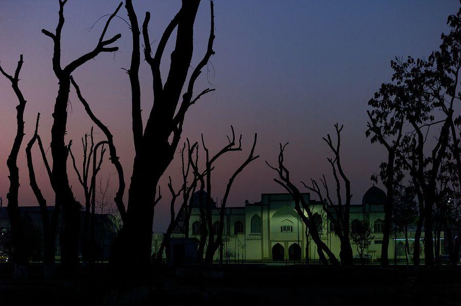 ©Анзор Бухарский. «Вид на драматический театр Садриддина Айни в Бухаре»